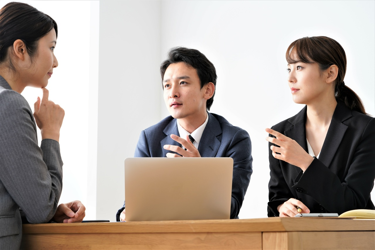 Colleagues represent difficulty perceiving someone's position in Japanese business culture