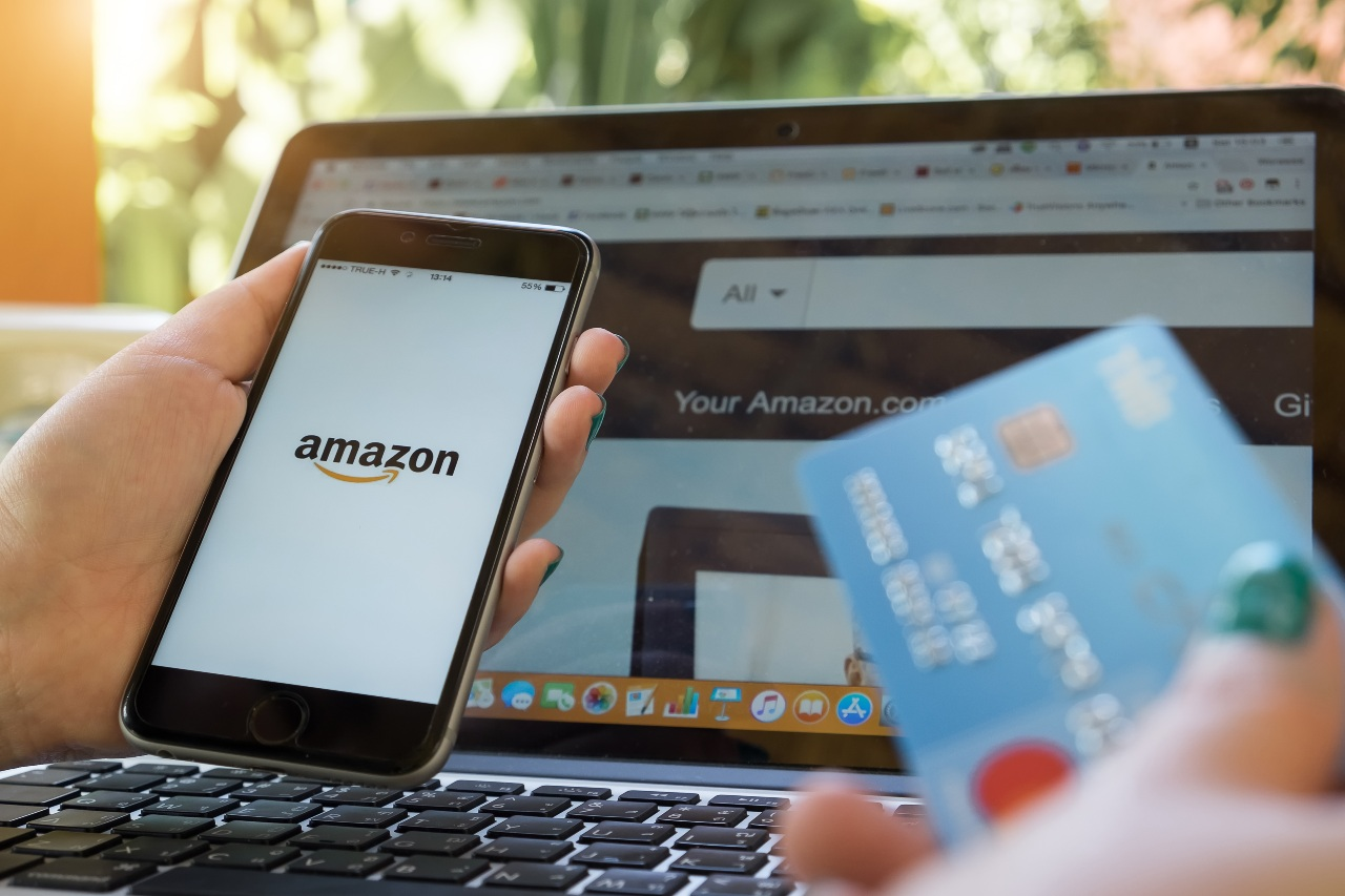 Customer trying to pay on Amazon Japan using Japanese local payment methods