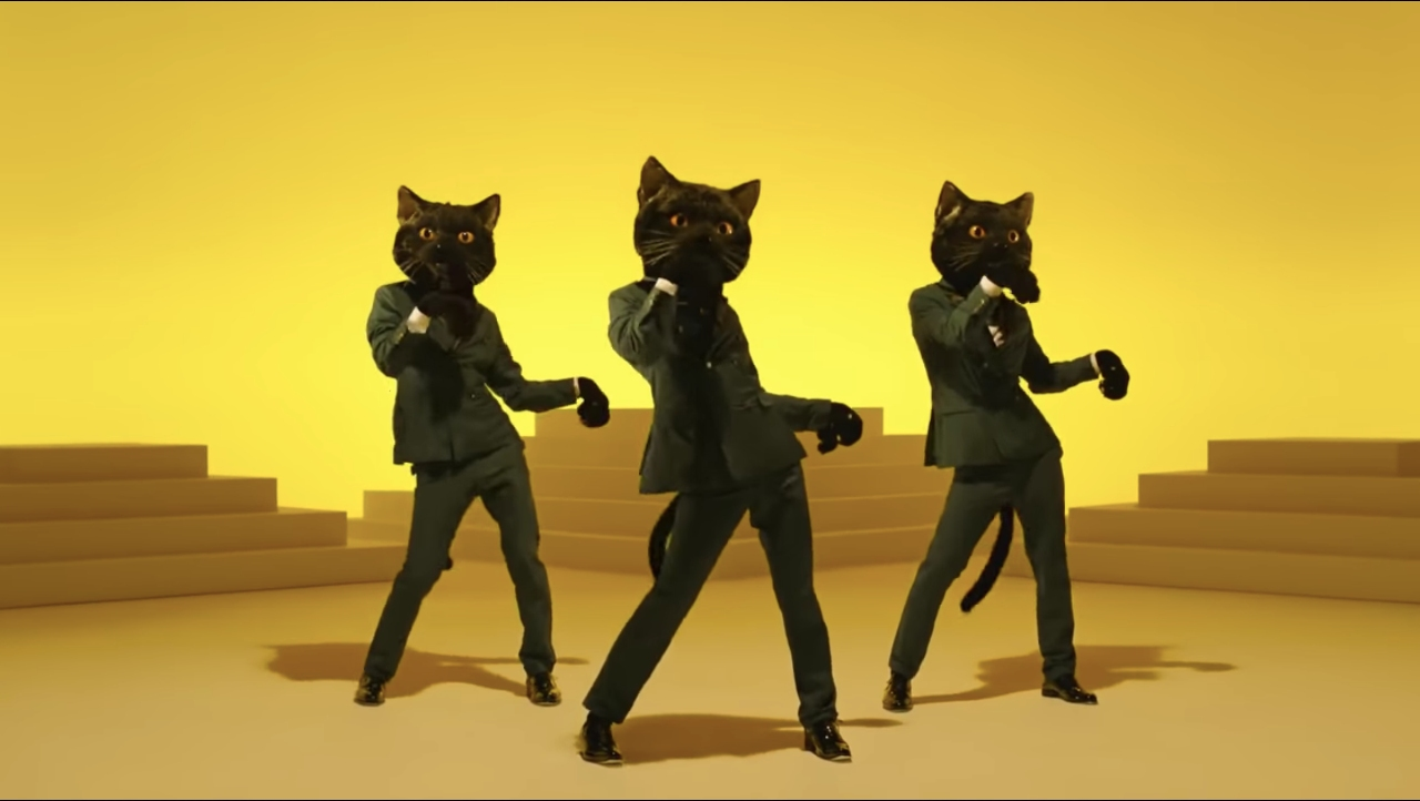 Example of how Yamato Transport advertise in Japan with dancing cats