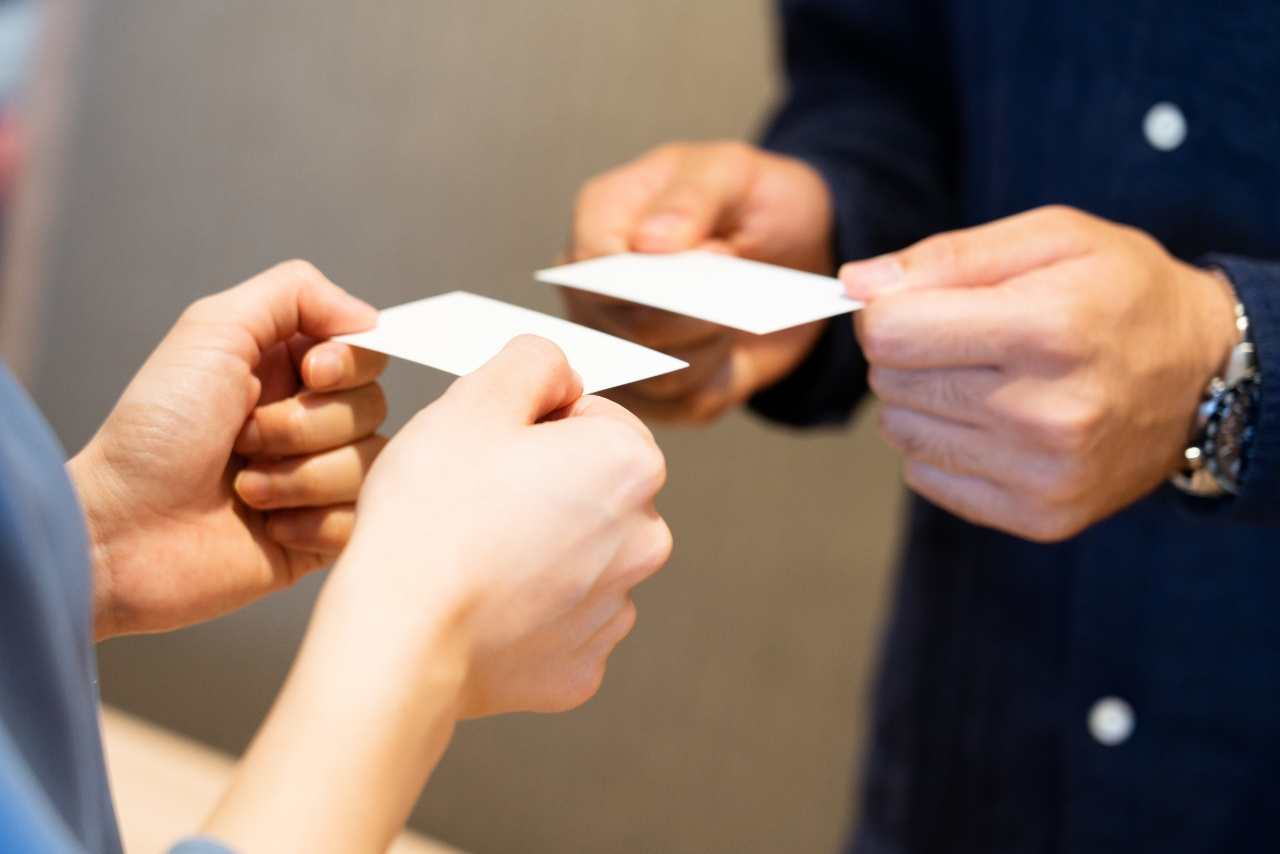 Exchanging of cards in Japanese business culture