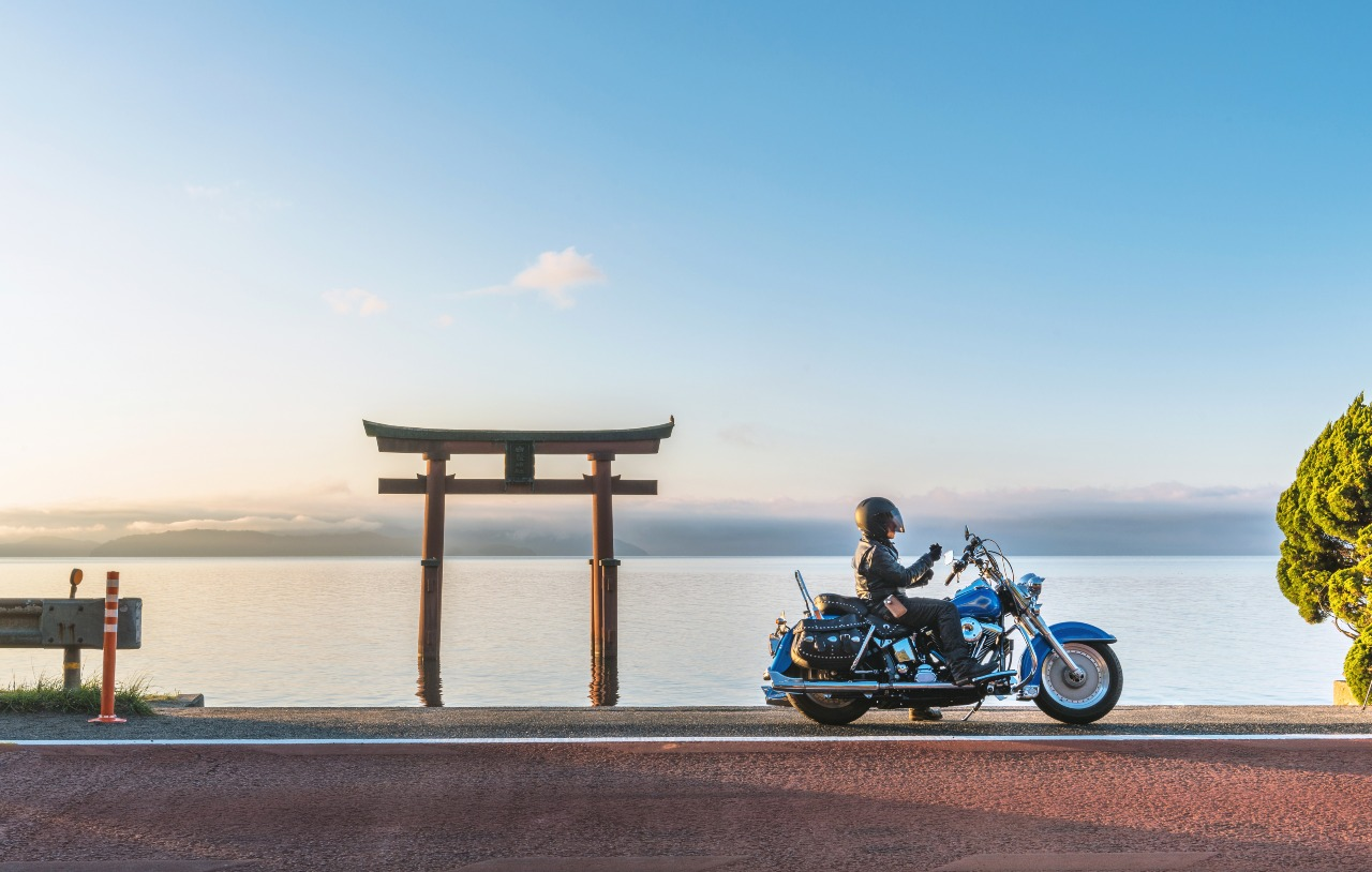 """Funny concept of the Japanese word """"baiku"""" translated from """"bike"""""""