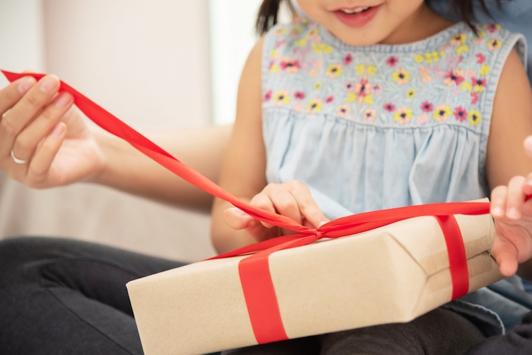 Products gift wrapped to sell on Amazon Japan